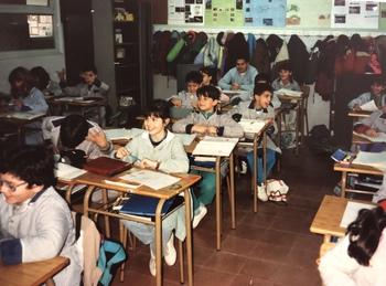 スペイン・バルセロナ 小学生(2).JPG